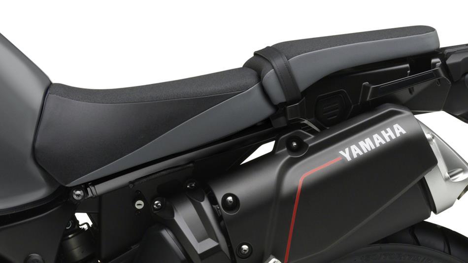2014-Yamaha-XT1200Z-Super-Tenere-EU-Matt-Grey-Detail-007-osob