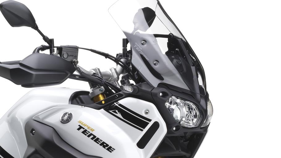 2014-Yamaha-XT1200ZE-Super-Tenere-EU-Competition-White-Detail-008-osob